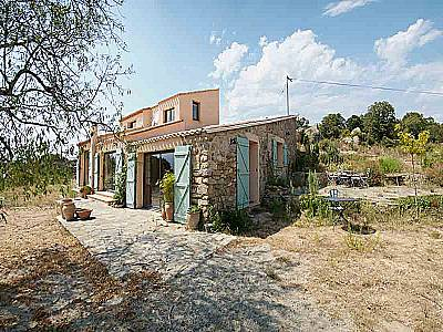Picture of 2 bedroom House in Montalba le Chateau Area, Languedoc-Roussillon for sale  with 20000m2 of land