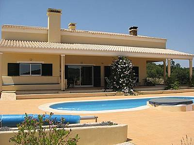 Picture of 4 bedroom Villa in Bensafrim, Algarve for sale  with 160000m2 of land - Reference 129129