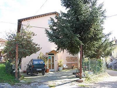3 bedroom farmhouse for sale, Amandola, Fermo, Marche