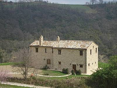 3 bedroom farmhouse for sale, Montelparo, Fermo, Marche