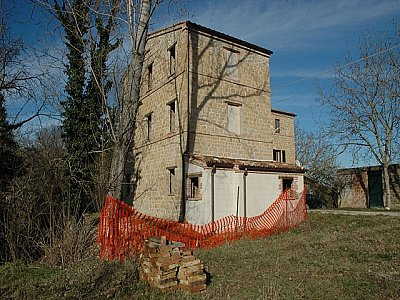 2 bedroom house for sale, Amandola, Fermo, Marche