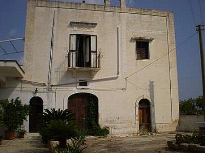 Image 3 | Farmhouse for sale with 13,000m2 of land, Ostuni, Brindisi, Puglia 130728