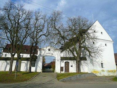 Image 4   Superb 16th Century Chateau Health Hotel near Prague, Czech Repulbic 132061