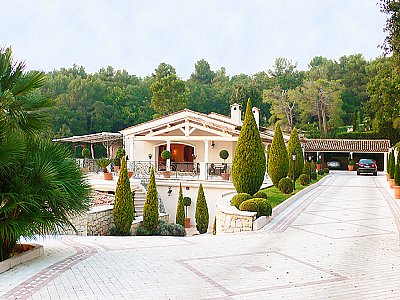 Image 2 | 5 bedroom villa for sale with 10,000m2 of land, Grasse, Cote d'Azur French Riviera 133039