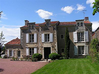 4 bedroom house for sale, Loudun, Vienne, Loire Valley