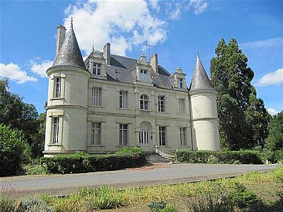 11 bedroom French chateau for sale, South Loire, Sarthe, Loire Valley