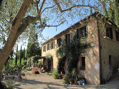 4 bedroom farmhouse for sale, Buonconvento, Siena, Tuscany