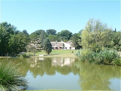 Landscaped Valbonne villa with lake