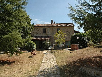 Image 2 | Farmhouse for sale with 3.5 hectares of land, Ficulle, Terni, Umbria 140400