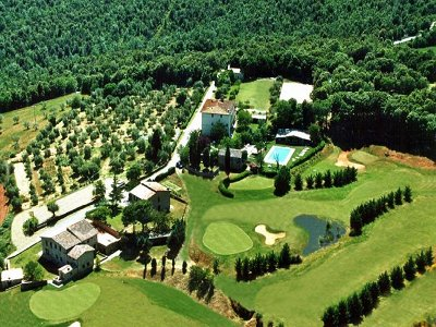 Extensive Estate with Golf Course &