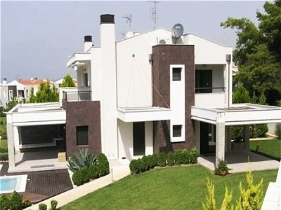 Picture of 4 bedroom Villa in Kassandra, Central Macedonia for sale  with 1000m2 of land - Reference 141995