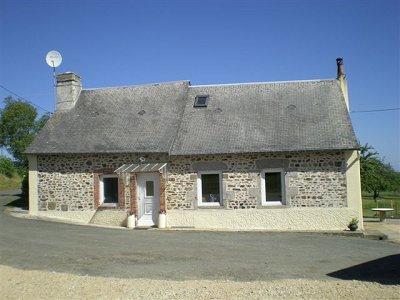 2 bedroom farmhouse for sale, Villaines la Juhel, Mayenne, Pays-de-la-Loire