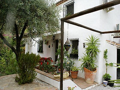 Image 2 | 4 bedroom farmhouse for sale with 2,000m2 of land, Archez, Malaga Costa del Sol, Andalucia 143472