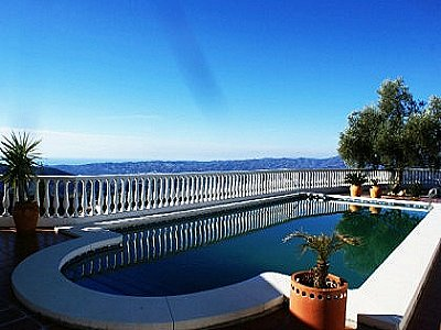 Image 2 | Lovely Villa with Stunning Views 143505