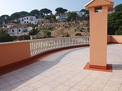 Image 3   5 bedroom villa for sale with 800m2 of land, Lloret de Mar, Girona Costa Brava, Catalonia 144611