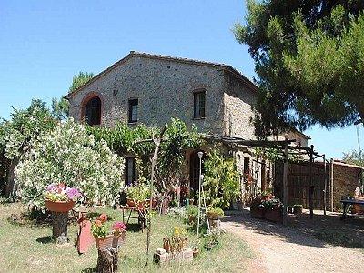 Farmhouse for sale, Pomarance, Pisa, Tuscany