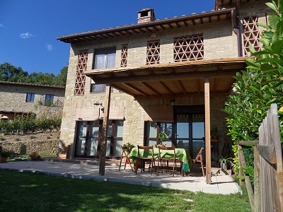 Picture of 2 bedroom Apartment in San Gimignano, Tuscany for sale  with 120m2 of land - Reference 146007