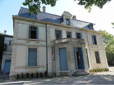 Proche Lac du Salagou Manor House For Sale