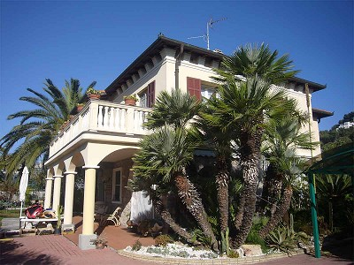 Image 1 | 3 bedroom villa for sale with 400m2 of land, Bordighera, Imperia, Liguria 147423