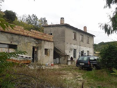 Picture of 2 bedroom House in Chieti area, Southern Italy for sale  with 1000m2 of land - Reference 147785
