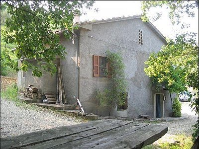 Picture of 3 bedroom House in Farindola, Southern Italy for sale  with 10000m2 of land - Reference 147786
