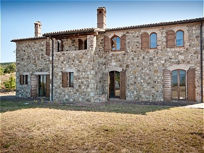 4 bedroom farmhouse for sale, San Casciano dei Bagni, Siena, Tuscany