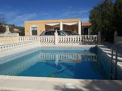 Picture of 3 bedroom Villa in Aspe - Alicante, North East Spain for sale  with 2000m2 of land - Reference 148140
