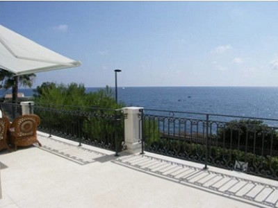 Picture of 4 bedroom Villa in Cap d�Antibes, Cote d'Azur French Riviera for sale  with 1100m2 of land - Reference 148467