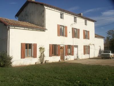 4 bedroom farmhouse for sale, Couhe, Vienne, Poitou-Charentes