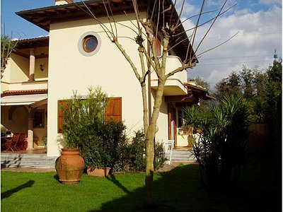 Image 2 | 4 bedroom villa for sale with 1,000m2 of land, Forte dei Marmi, Lucca, Tuscany 149582