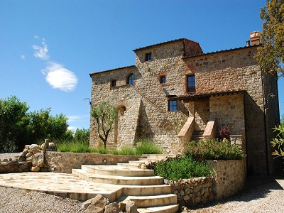 Image 2   Restored 14th century house with views of Tuscan coast. 149942