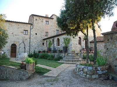 Image 3   Restored 14th century house with views of Tuscan coast. 149942