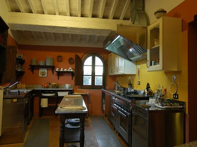 Image 8   Restored 14th century house with views of Tuscan coast. 149942