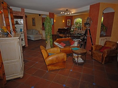 Image 2   5 bedroom villa for sale with 0.5 hectares of land, Chateauneuf, Grasse, French Riviera 151409