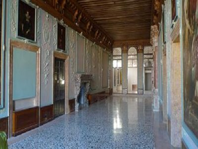 Amazing Venetian Apartment in a Prime Location