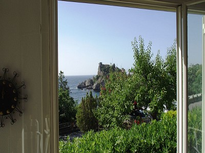 Image 3 | 2 bedroom apartment for sale with 30m2 of land, Taormina, Messina, Sicily 152405