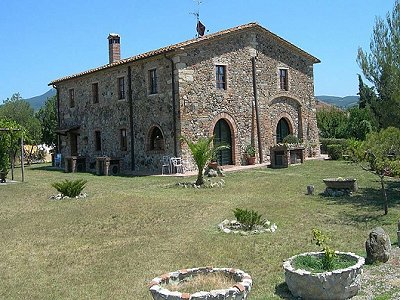 Picture of 5 bedroom Farmhouse in Livorno, Tuscany for sale  with 10000m2 of land - Reference 152516
