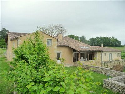 Picture of 4 bedroom House in Pujols Area, Aquitaine for sale  with 45000m2 of land - Reference 152841