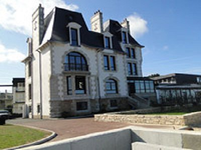5 Star Maison dhotes Property Overlooking the sea