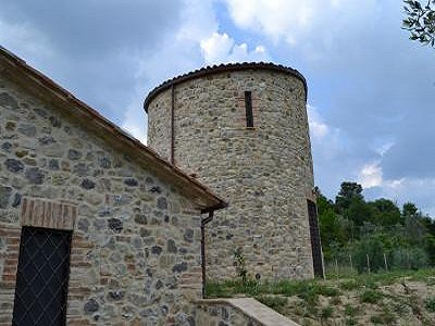 Image 3 | 2 bedroom farmhouse for sale with 2,000m2 of land, Ficulle, Terni, Umbria 153430