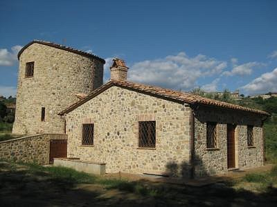 Image 5 | 2 bedroom farmhouse for sale with 2,000m2 of land, Ficulle, Terni, Umbria 153430