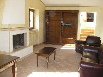 Image 6 | 2 bedroom farmhouse for sale with 2,000m2 of land, Ficulle, Terni, Umbria 153430