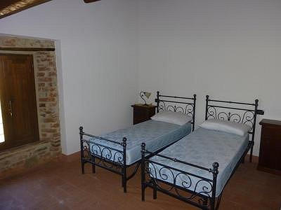 Image 6 | 6 bedroom farmhouse for sale with 3,000m2 of land, Panicale, Perugia, Umbria 153465