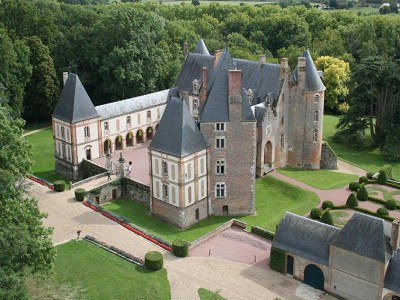 Image 2 | 17 bedroom French chateau for sale with 17 hectares of land, Aubigny sur Nere, Cher , Centre 153913