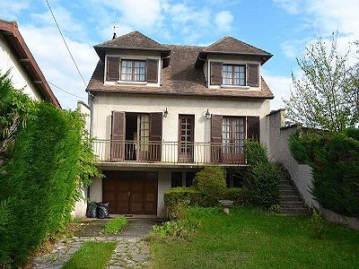 Picture of 4 bedroom Townhouse in Mussidan, Aquitaine for sale  with 536m2 of land
