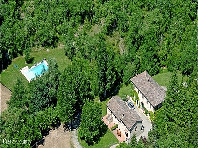 Traditional Tuscan Farmhouse & Guesthouse - Beautifully Restored in a Country Style - Situated close to Gaiole in Chianti