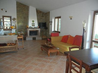 Image 10 | 2 bedroom house for sale with 1,600m2 of land, Paciano, Perugia, Umbria 156413
