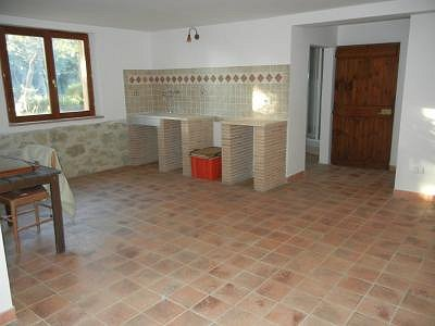 Image 20 | 2 bedroom house for sale with 1,600m2 of land, Paciano, Perugia, Umbria 156413