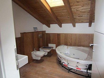 Image 10   3 bedroom villa for sale with 1,200m2 of land, Lesa, Novara, Lake Maggiore 156635