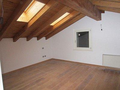Image 8   3 bedroom villa for sale with 1,200m2 of land, Lesa, Novara, Lake Maggiore 156635